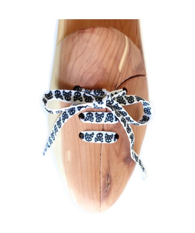 Lacci scarpe sneakers piatti, bianchi con teschi neri | Prestige Shoe Laces